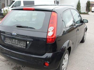 gebraucht Ford Fiesta 1.3 Ambiente