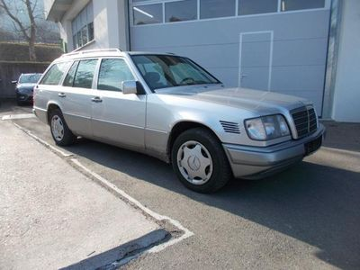 gebraucht Mercedes E300 D // AHK // SCHIEBE-HEBE-DACH