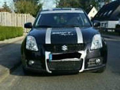 1 4 Gebraucht Suzuki Swift Sport Schwarz Mit Rallye Streifen