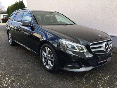 gebraucht Mercedes E250 CDI T AVANTGARDE BT LEDER NAVI SH PDC AHK