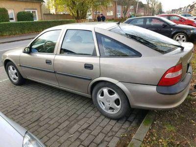 gebraucht Opel Vectra 1.8 BENZINER 115PS MIT AHK !! LETZTER PREIS !!
