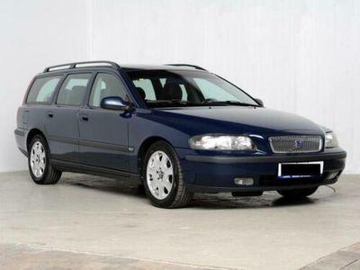 used Volvo V70 Bj02 180PS Blau metallic 2,0 5 Zyl. Automatik