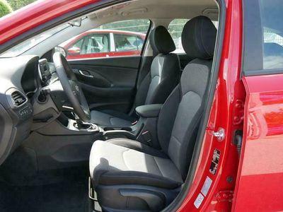 gebraucht Hyundai i30 Kombi 1.0 T-GDi DCT PURE * FRESH PARKTRON...