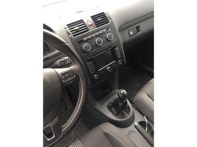gebraucht VW Touran 2.0 TDI DPF MATCH