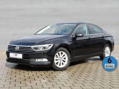 gebraucht VW Passat 1.6 TDI BMT DSG Comfortline+Panorama+LED