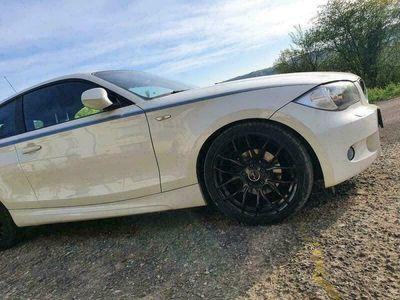 gebraucht BMW 118 Coupé i 143PS benziner als Sportwagen/ in Wasserliesch