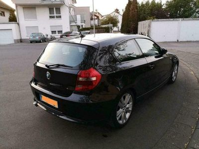 gebraucht BMW 120 Coupé Diesel M Fahrwerk ab Werk als Sportwagen/ in Kelsterbach