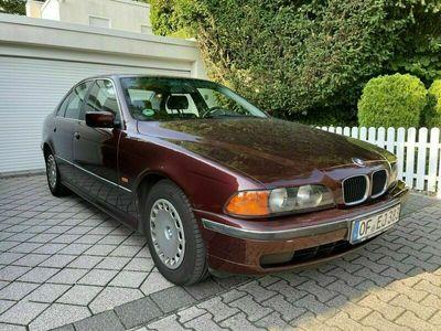 gebraucht BMW 520 i Limousine 96.000km