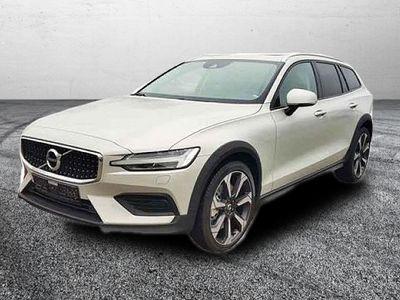 gebraucht Volvo V60 CC MJ 2021 / SHZ/ KLIMAAUT. D4 AWD
