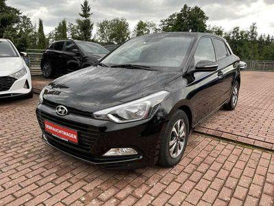 gebraucht Hyundai i20 New 5-Türer 1,2 Benzin M/T 84 PS Sonderedition Pa