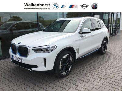 gebraucht BMW iX3 Impressive Park-Assistent AD Kurvenlicht e-Sitze HUD ACC Parklenkass.