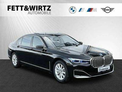 gebraucht BMW 745 Neu Le xDrive DAProf. Laser Komforts. Massage HUD