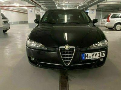 gebraucht Alfa Romeo 147 1.6 ECO TÜV NEU und vieles mehr als Limousine in München