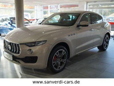 gebraucht Maserati Levante SQ4 EXCLUSIVE 360° EURO 6 *I.HAND*