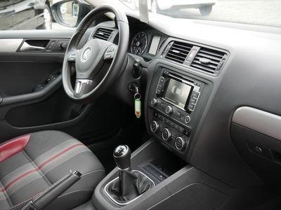 gebraucht VW Jetta 1.4 TSI FSE KLIMA PDC SHZ NAVIGATION