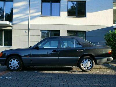 gebraucht Mercedes E400 als Limousine in Köln