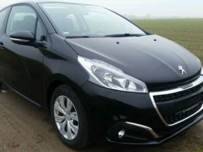 gebraucht Peugeot 208 1.6 hdi bj 2014 63000 km