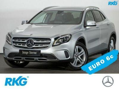 gebraucht Mercedes GLA220 d 4M Urban*LED*Kamera*Navi*Parkassistent