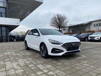 gebraucht Hyundai i30 Prime 1.5 T-GDI 48V-Mildhybrid 160 iMT (D4 Lager)
