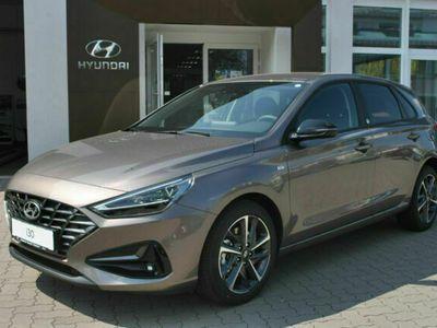 gebraucht Hyundai i30 1.5T-GDi DCT 48V Hybrid Edition 30+