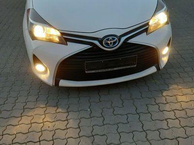 gebraucht Toyota Yaris Hybrid 1.5 VVT-i Lounge