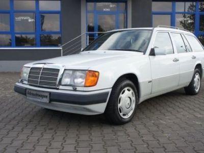 używany Mercedes 230 TE --- ROSTFREI
