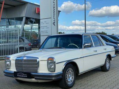 gebraucht Mercedes W115 Strich 8 / Autom. / Traumzustand /