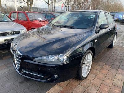 gebraucht Alfa Romeo 147 2.0 TS 16V Distinctive Selespeed Xenon Navi Beheizb. Frontsch. Multif.Lenkrad