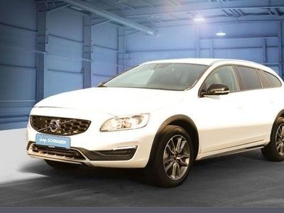 gebraucht Volvo V60 CC D3 Geartronic Summum