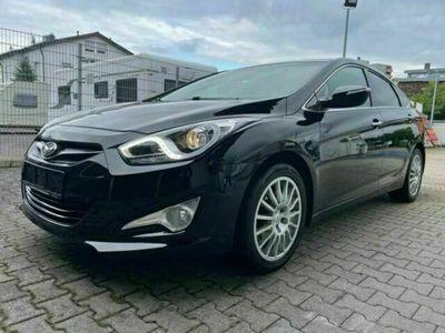 gebraucht Hyundai i40 Style 2,0 L *NAVI*KAMERA*SHZ*XENON*