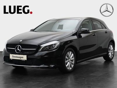 gebraucht Mercedes A180 d Style Pano Navi PTS Kamera LED