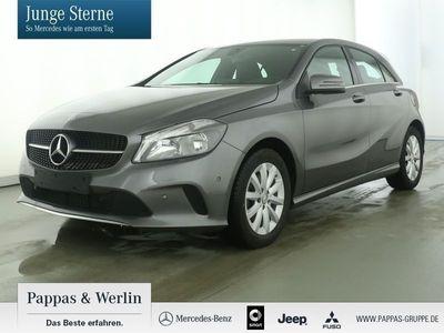 gebraucht Mercedes A180 Style+Navi+Parkass.+Kamera+Teilleder