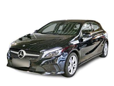 gebraucht Mercedes A180 BlueEfficiency NAVI BLUETOOTH SITZHZG KLIMA