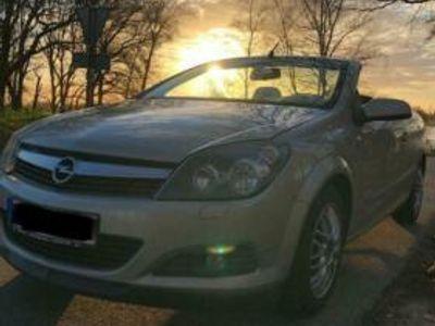 begagnad Opel Astra Cabriolet Twin Top 1.9 CDTI
