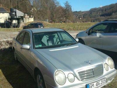 gebraucht Mercedes E240 Classic