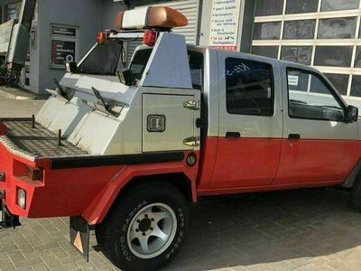 gebraucht Nissan Terrano AbschleppwagenBrillenfahr...