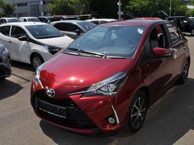 gebraucht Toyota Yaris Team D mit Anhängerkupplung