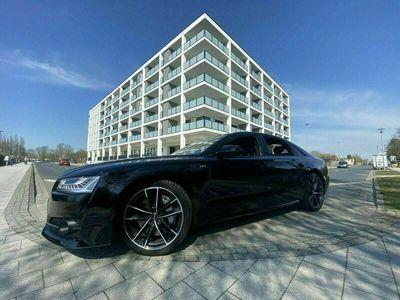 gebraucht Audi S8 plus Black Edition