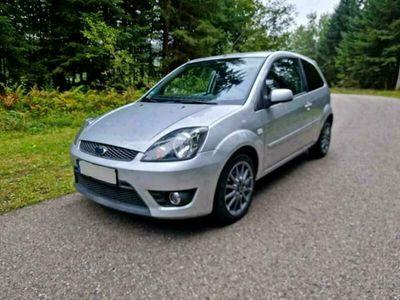 gebraucht Ford Fiesta 1.3l Klima, 8fach-bereift, wenig Km, neu TÜV