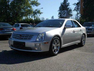 gebraucht Cadillac STS 4.6 V8 Sport Luxury bei Gebrachtwagen.expert