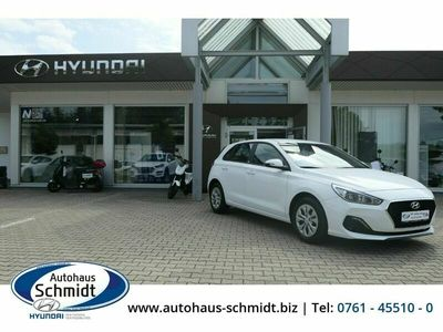gebraucht Hyundai i30 Sonderkontingent Navigation 1.0 T-GDI Rückfahrkam. Fernlichtass. LED-Tagfahrlicht