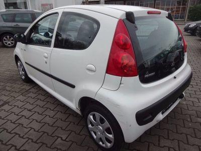 gebraucht Peugeot 107 70 Millesim 200, Tüv&Au 05-2018