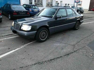 gebraucht Mercedes E220 als Limousine in Mannheim