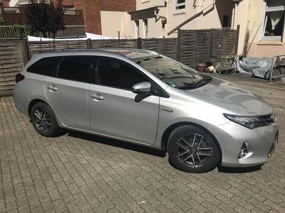 gebraucht Toyota Auris 1.8 VVT-i Hybrid Automatik Touring Sports Edition