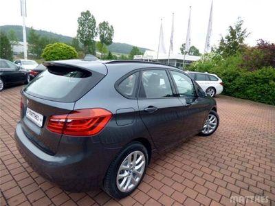 gebraucht BMW 218 Active Tourer d Navi RFK Parkassistent PDC