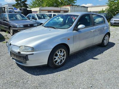 gebraucht Alfa Romeo 147 1.6 T.Spark Distinctive~KLIMAAUTO.~EURO3~ALU