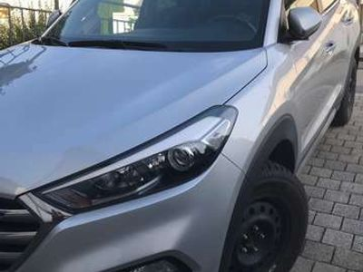 gebraucht Hyundai Tucson blue 1.6 GDi 2WD Navi