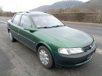 gebraucht Opel Vectra 1.6 Beauty / AHK