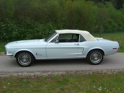 verkauft ford mustang gt cabrio im gt gebraucht 1968 km in neuried. Black Bedroom Furniture Sets. Home Design Ideas