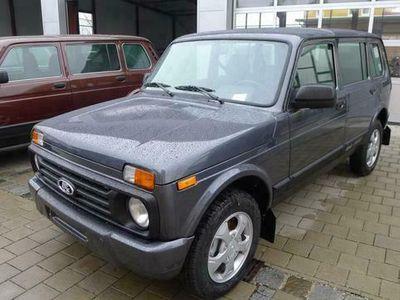 gebraucht Lada Urban 4x4 1.7i 5-türig EU6dTemp SHZ ALU AHK U...